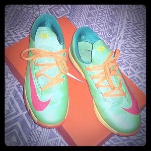 Kids VI (KD) Sneakers